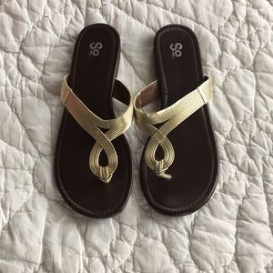 Shoes - Gold Thong Sandals